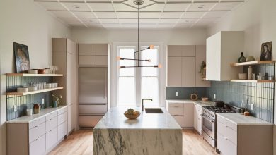 Can quartz countertops withstand high temperatures?